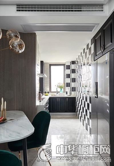 大厨房的橱柜布置该怎么选择?
