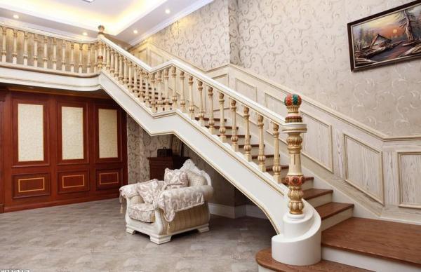大门对楼梯怎么化解
