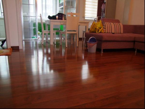 装修用什么地板好
