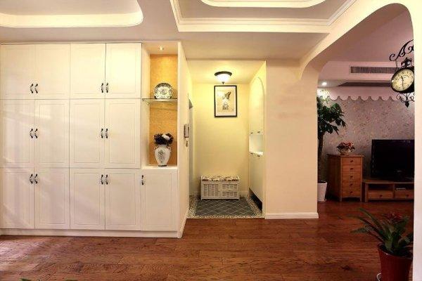 进门客厅玄关隔断设计