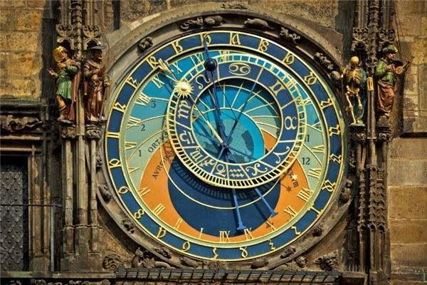 「选购挂钟」挂钟什么牌子好+怎么巧妙地选购挂钟