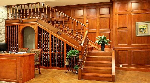 楼梯酒柜的保养方法 楼梯酒柜的摆放要求