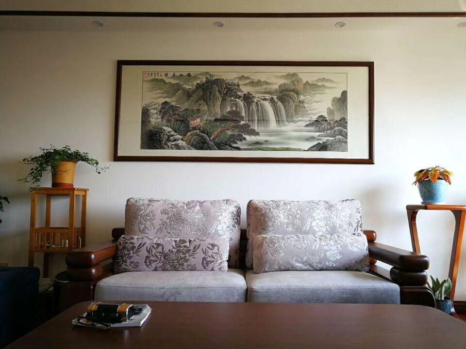 家居客厅挂什么画风水好运   客厅挂画禁忌