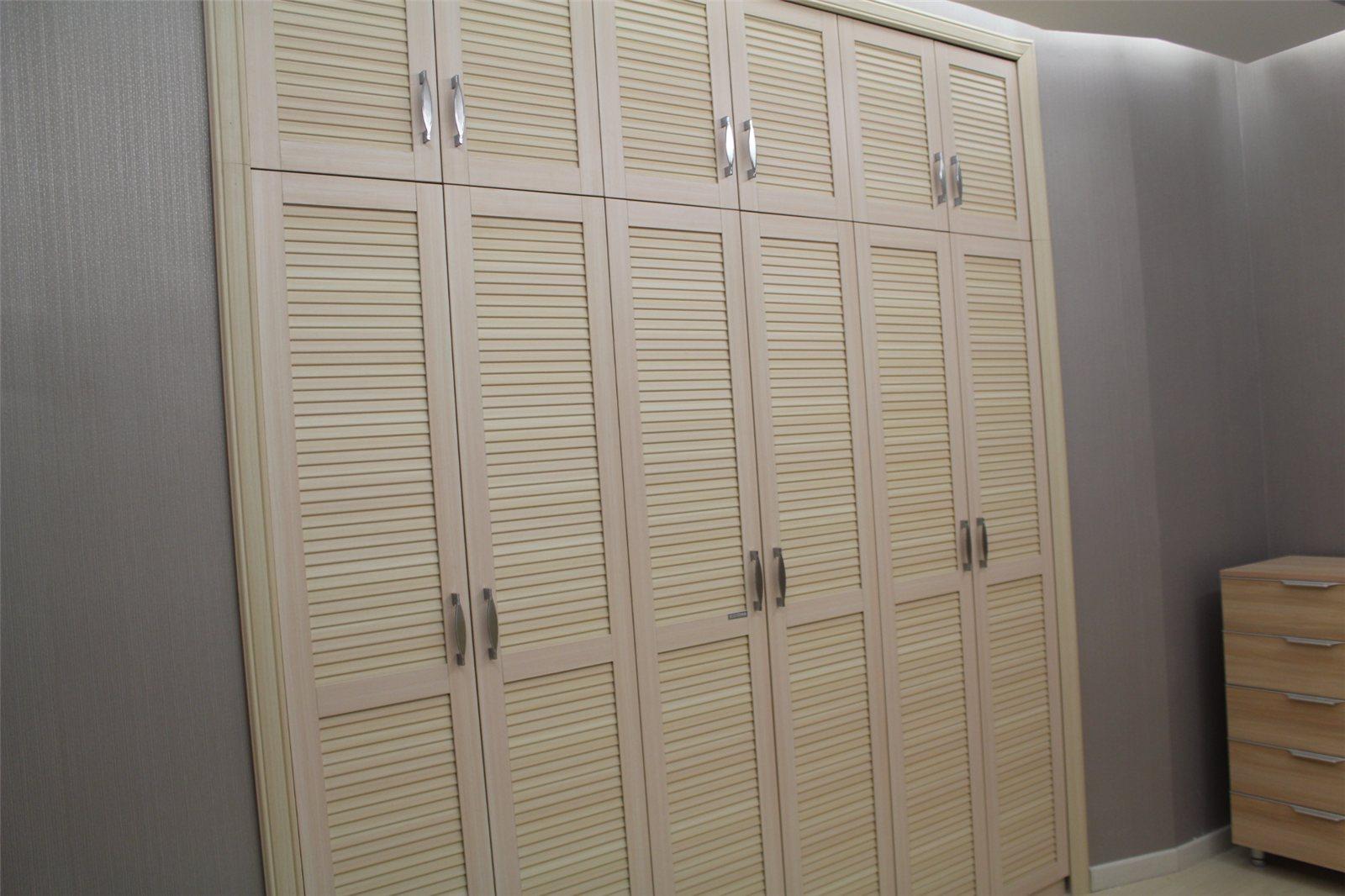 开门衣柜的材质种类 开门衣柜如何挑选
