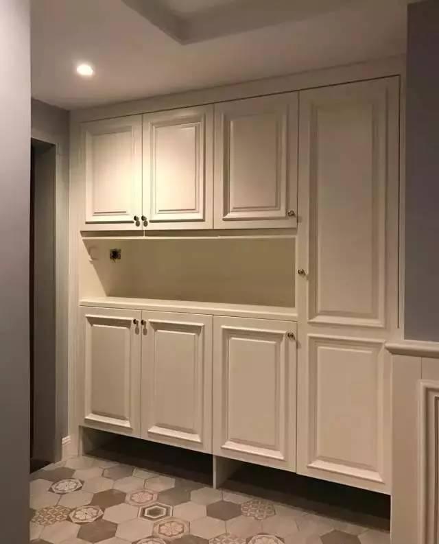 鞋柜展示柜有哪些材质 鞋柜展示柜有哪些风格