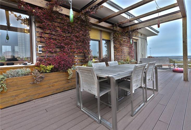 露天阳台铺什么地板好 怎么选择阳台地板