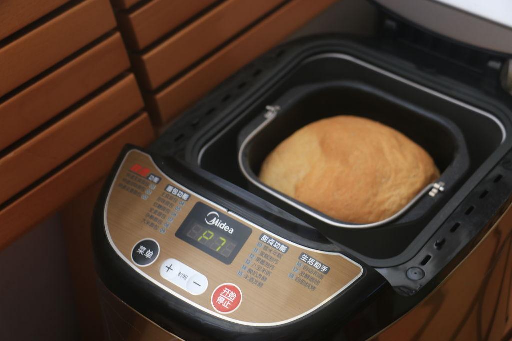 究竟面包机哪个好 面包机做面包的步骤