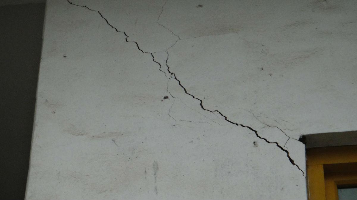 墙面裂缝怎么处理?墙面裂缝是什么原因?