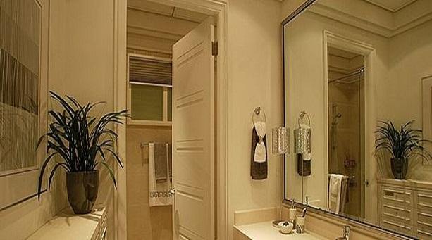 镜子摆放有哪些风水禁忌,正对大门好不好?