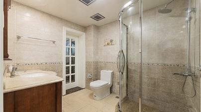家装卫生间门是朝里开还是朝外开好?若不是老工人告诉我,恐怕都弄错了!