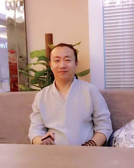 梁志鹏 老师