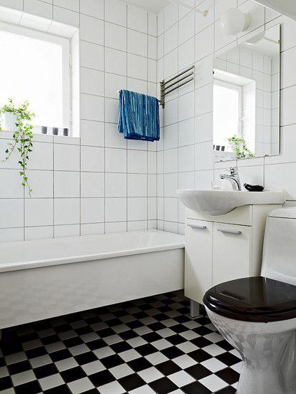 白色温馨阁楼公寓62.5平米原木小户