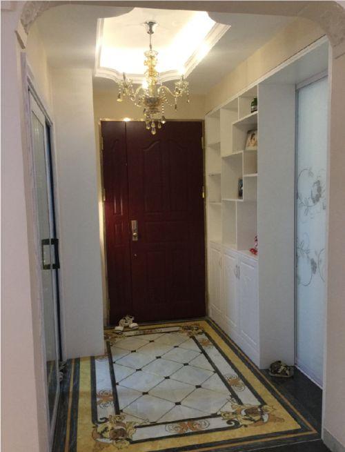 布吉慢城四期来座山4室2厅90平米混搭风格