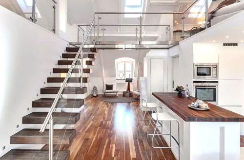 60平挑高阁楼小公寓阁楼变身阳光房