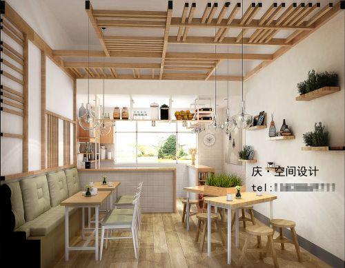 這是個面積不大的餐廳,客戶跟我年齡相仿,屬于氣質美女,她想在